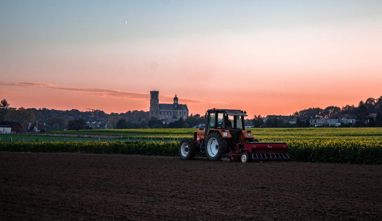 farming-community-tractor